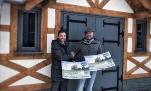Spendenübergabe an die Backesfreunde Frickhofen durch Filialleiter Manuel Herzmann.